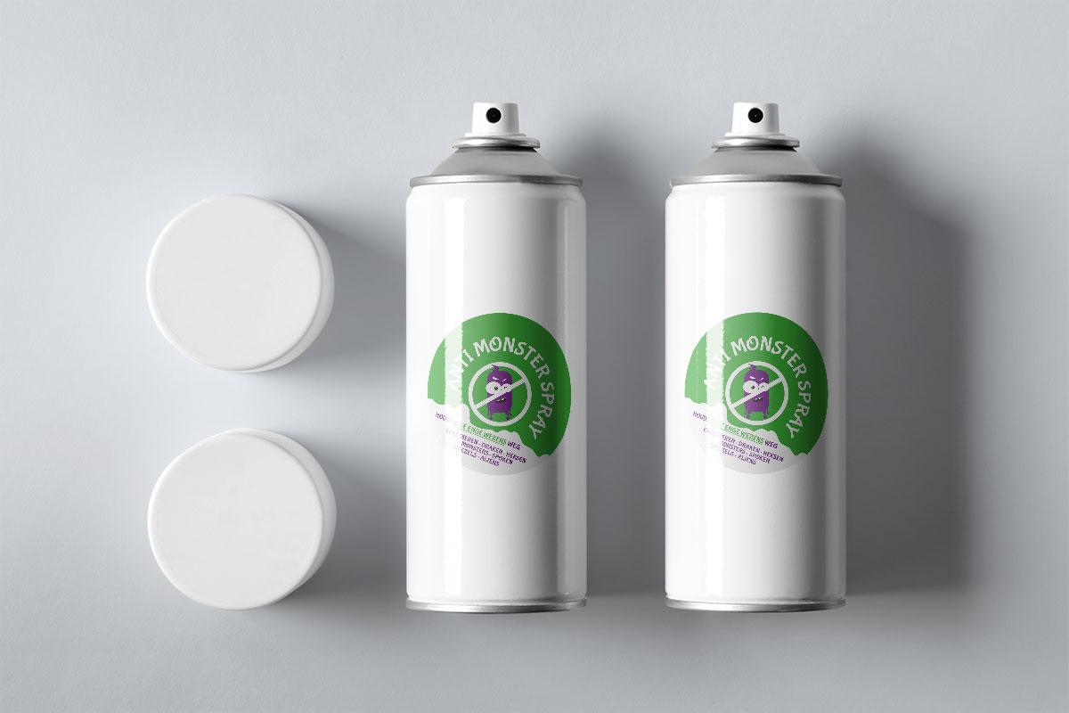 Anti monster spray label op twee spuitbussen